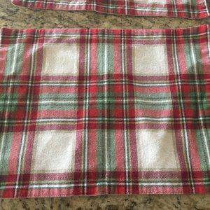 Set of 8 Red/Green/White Holiday Place Mats